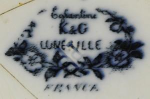 Keller & Guerin, Luneville, France (1880–1914).  Saucer (4A-C-0007).